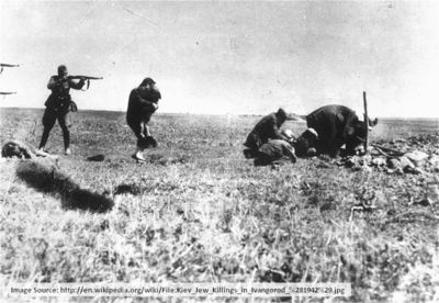 800px-Kiev_Jew_Killings_in_Ivangorod_(1942)